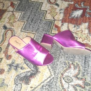 🌺 Like new Metallic Magenta Mules 👡